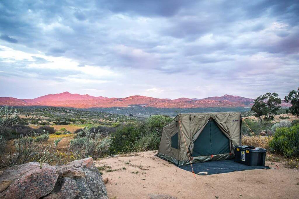eezi-awn-rooftop-tent-1-of-1